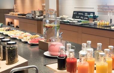 Frisches Obst und Säfte zum Frühstück im Biohotel der daberer (Dab-8114) | Foto: Biohotel der daberer/F. Neumüller