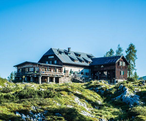 Ansicht des Albert Appel Haus im Toten Gebirge