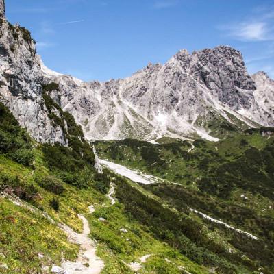 Die alpine Bergwelt im Gebiet des Gosaukamms