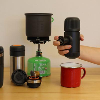 Die neue Nanopresso Espressomaschine für unterwegs gibt es mit verschiedenstem Zubehör