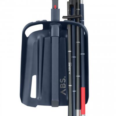 Schaufel und Sonde sind im A.LIGHT-Rucksack auf einen Griff verfügbar