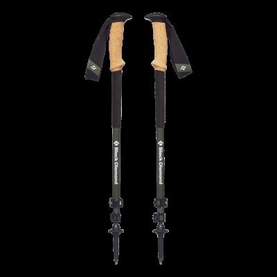 Von der Alpine-Trekkingstockserie von Black Diamond gibt es auch ein in zwei Segmenten zusammenschiebbares Modell (im Bild)