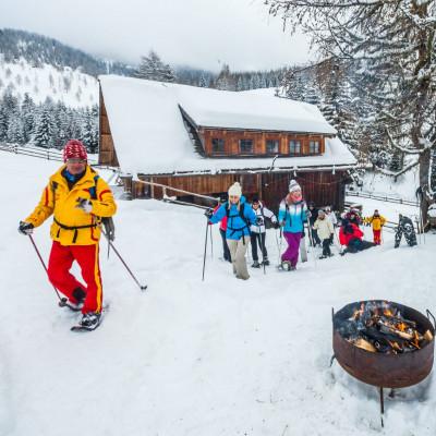 Schneeschuhwandern in den Nockbergen nahe Bad Kleinkirchheim - im Bild mit Experte Wolfgang Krainer zur Feldpannalpe