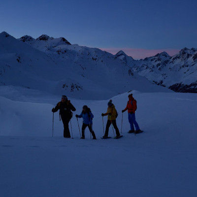 Naturerlebnis pur - Schneeschuhwandern bevor die Sonne aufgeht oder nachdem sie untergegangen ist im Nationalpark Hohe Tauern