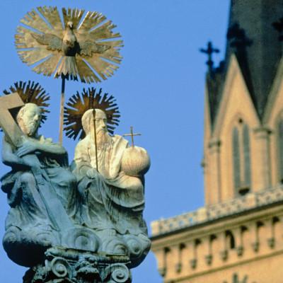 z_00000057694_Dreifaltigkeitssaeule-und-St-Jakob-Kirche-